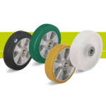 Front wheels for pallet trucks